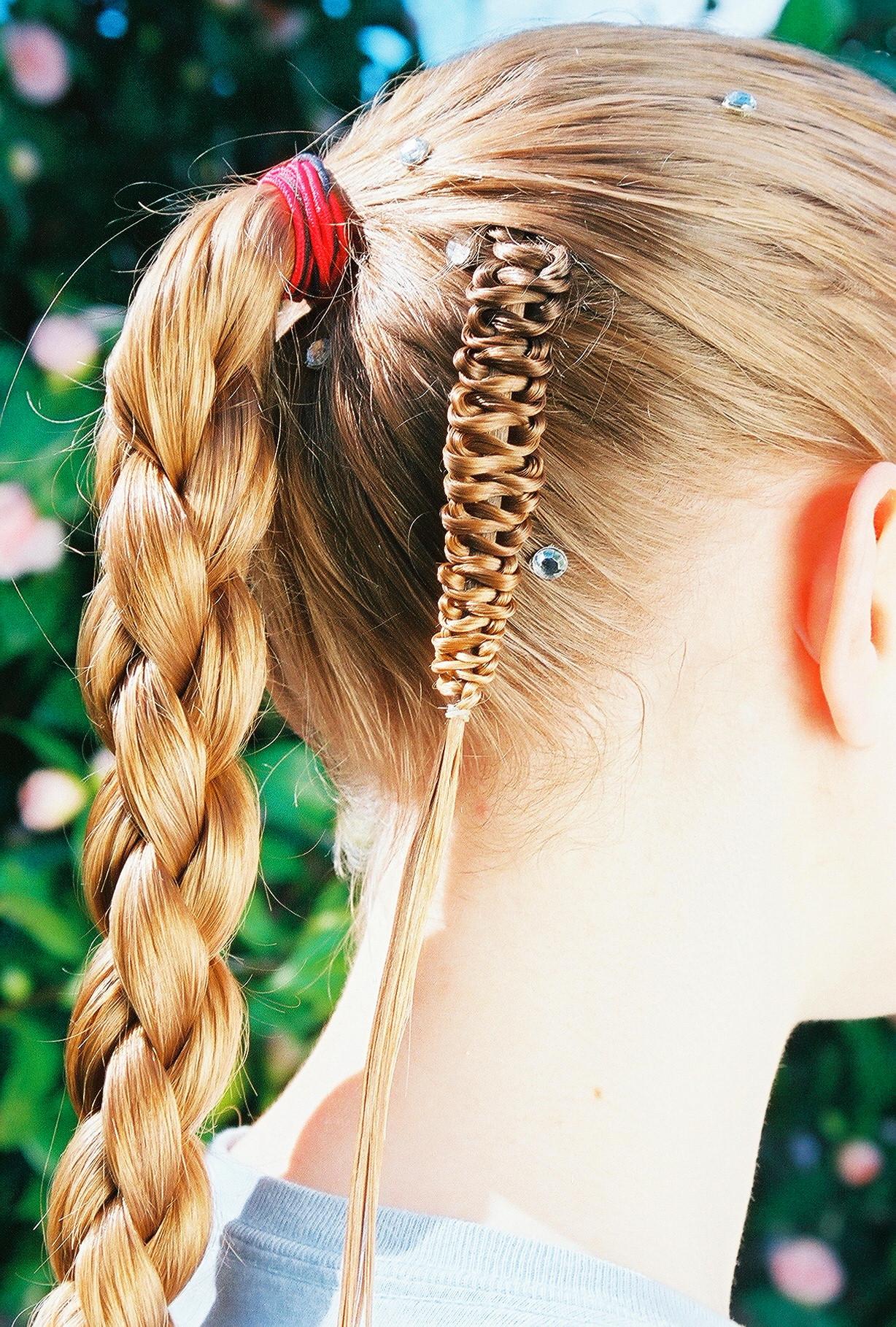 4-strand, round braid, tail, push-up three